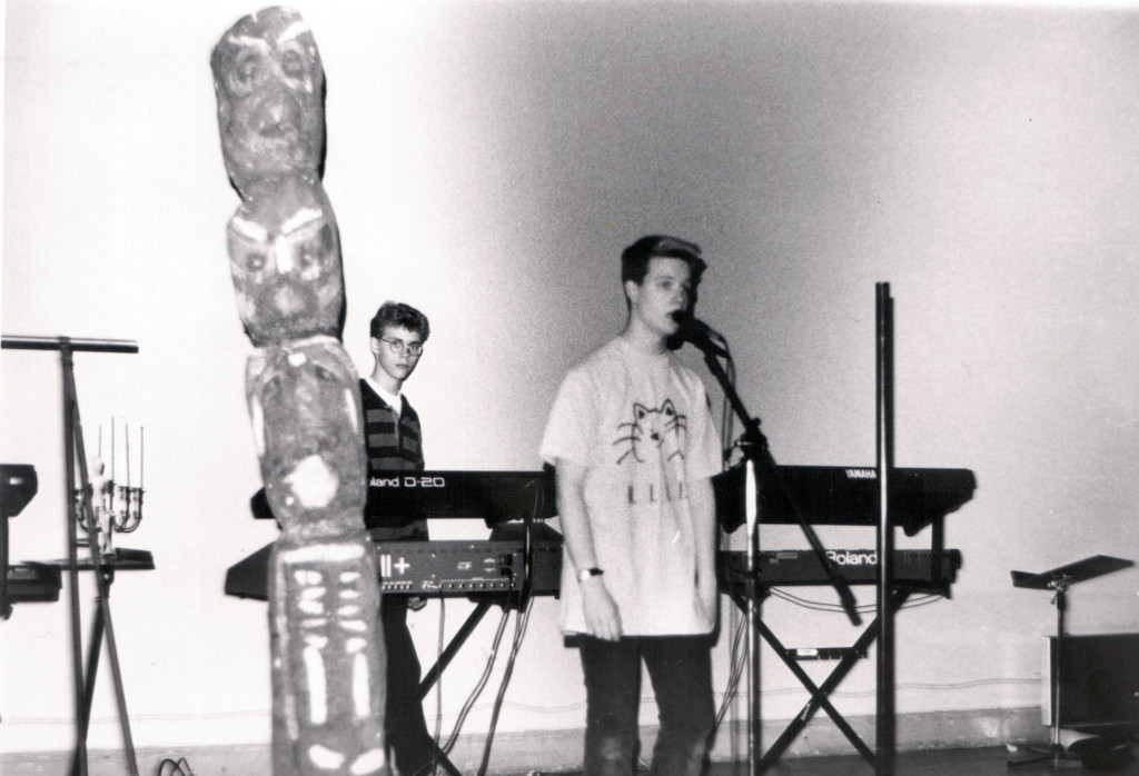 Art Fact live at Adolf Fredriks musikskola, 1990.